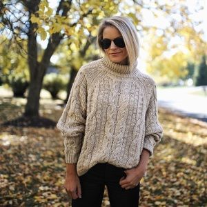 H&M Cable knit turtleneck sweater blogger favorite